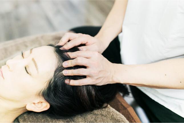 頭の筋肉の血流を良くすると、首・肩周りも楽になる